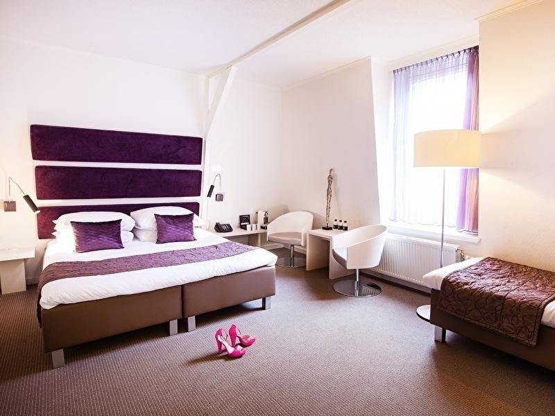 Superb City Room